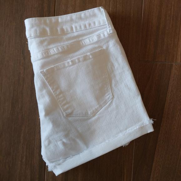 Arizona Jean Company Pants - Arizona Juniors White Denim Shorts Size 7 EUC